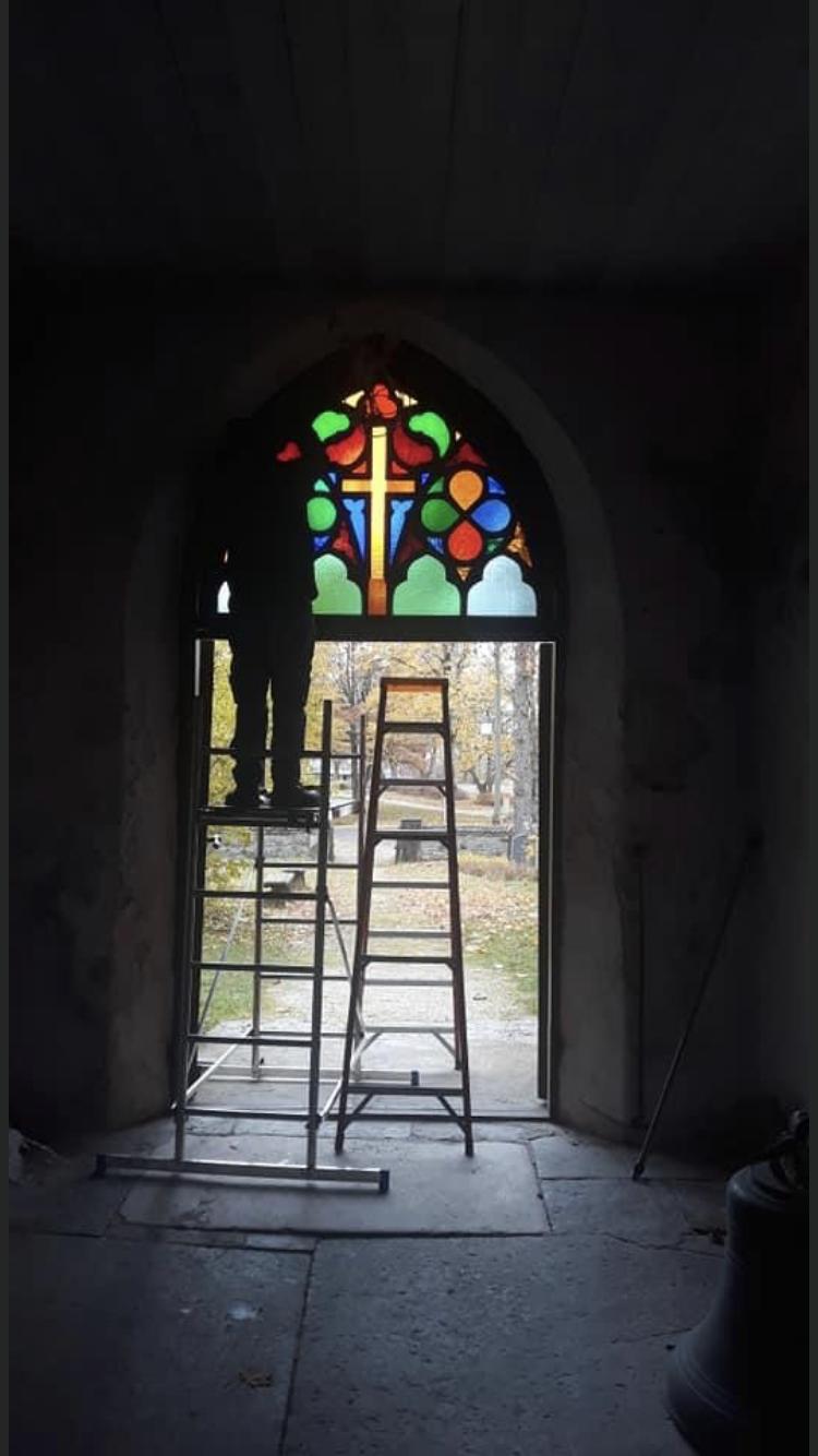 Koeru kirikule sai tagasi pandud korda tehtud aknad!